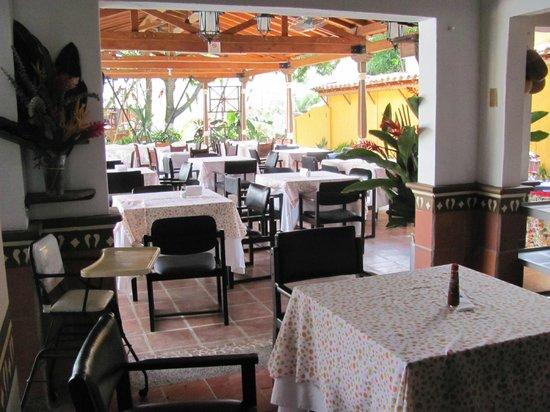 Hotel Caseron Plaza: Breakfast area