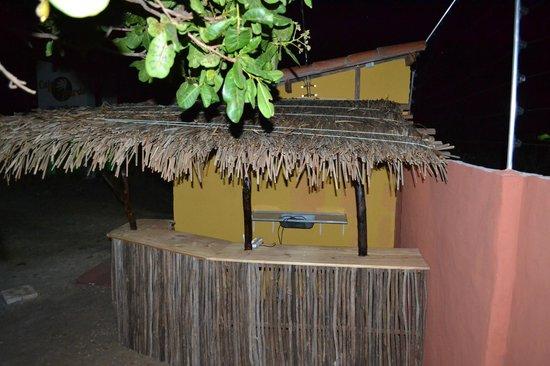 Caju-Verde: Aus Naturholz gebaute Bar... Die Caipis sind fantastisch