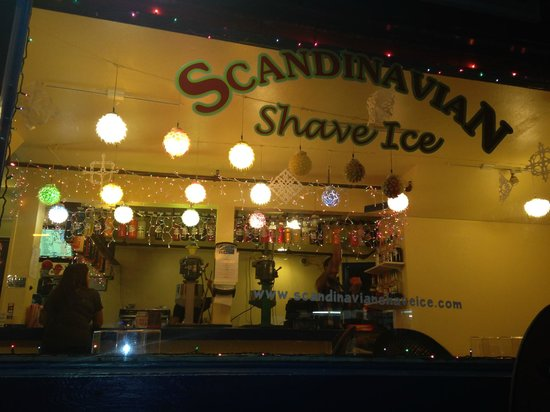Scandinavian Shave Ice : Bright lights, shave ice