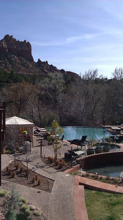 Kimpton Amara Resort & Spa: View from the balcony of the pool area