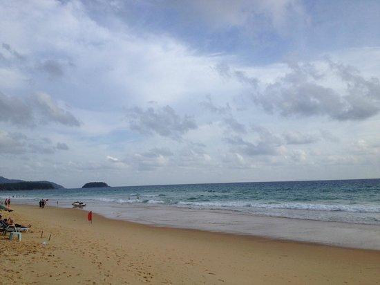 Grand Orchid Inn: Karon Beach..