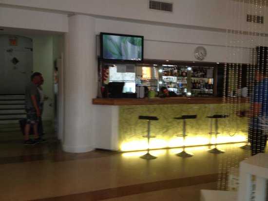 The President Hotel - Miami Beach: Bar