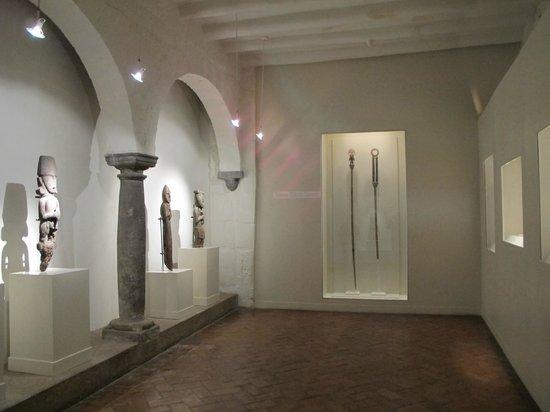 Pre-Columbian Art Museum: Sala Maderas