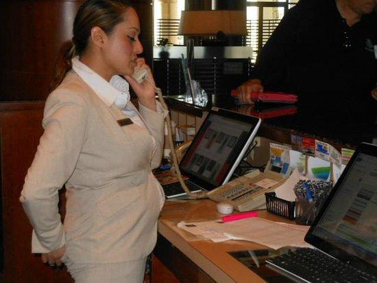 The Sheraton San Diego Hotel & Marina: Concierge in Marina Tower