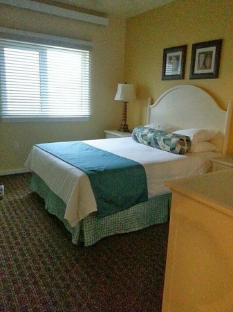 Worldmark by Wyndham, Long Beach: 2nd, smaller bedroom.  1st br has king size bed