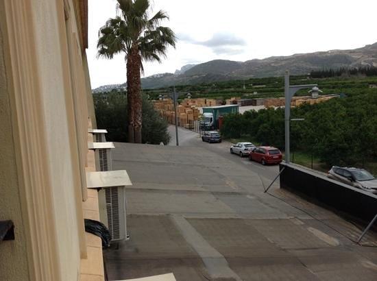 Hotel Elvea : Fabrica de palet,