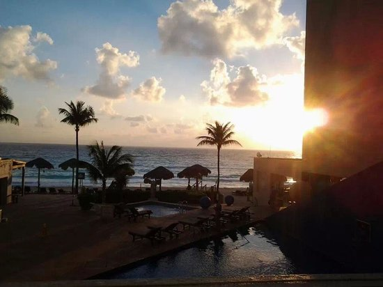 Club Regina Cancun: morning view from our room