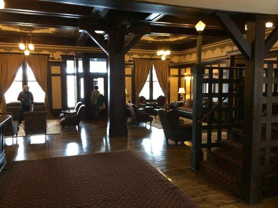 Sacajawea Hotel: Hotel Lobby