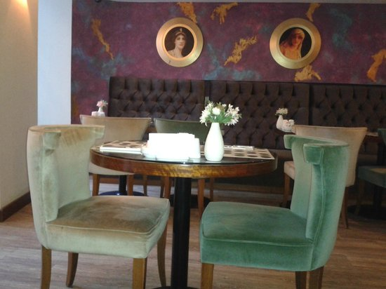 Hotel Au Pera: Petit dej