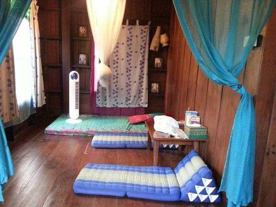 Chiang Mai Summer Resort : 小客厅