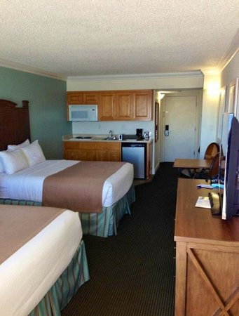 Best Western On The Beach : Room 305