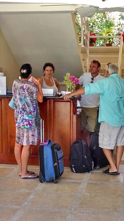 Montelaguna Boutique Hotel: Giorgia and Gianmario welcoming guest/photo taken from pool