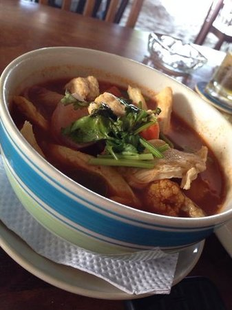 Rafii's Beach Cafe: chicken tomyum served with rice RM15