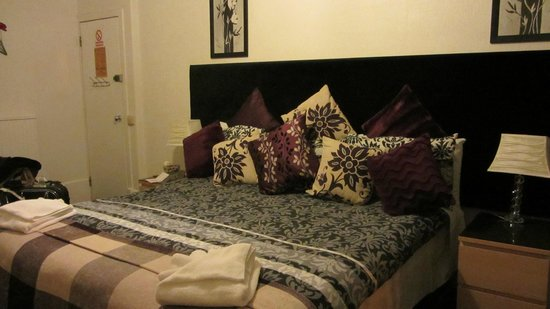 Clarin Guest House: Our love nest