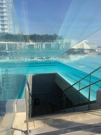 W Fort Lauderdale : Cool Pool walkway