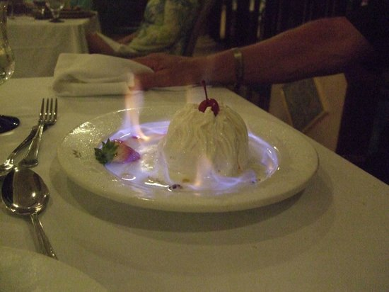 Hotel Riu Palace Tropical Bay: Flaming baked alaska Steakhouse dinner