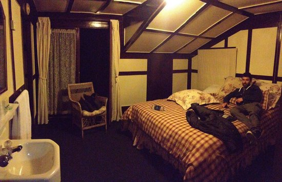 Pine Hills Lodge: Our room