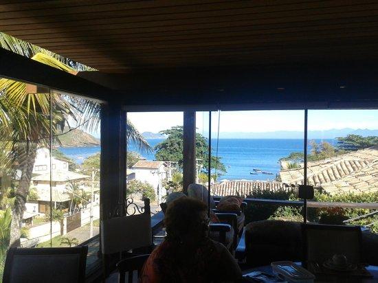 Pousada Praia Joao Fernandes: Desayunando