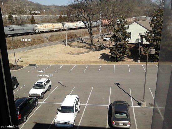 Holiday Inn Express Hotel & Suites Brentwood North-Nashville Area : train and interstate VERY near room