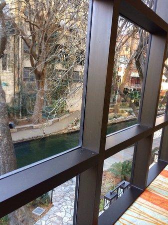 Holiday Inn Express Hotel & Suites San Antonio Rivercenter Area: Holiday Inn restaurant (breakfast room).