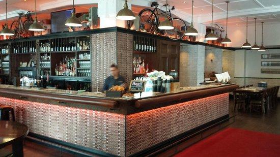 Emporium Eatery & Bar : Bar
