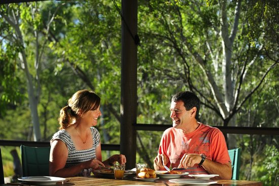 Bungle Bungle Wilderness Lodge: Outback dining