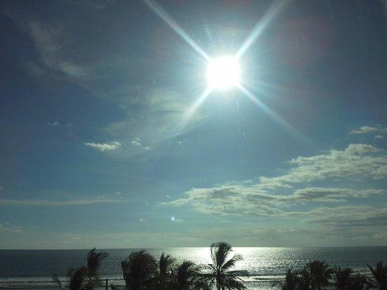 Hotel Balcon del Mar : vista desde la habitaciòn en el 4 piso... espectacular!