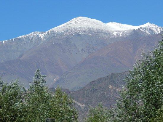 Cabanas Andinas: El imponente Cordón del Plata, visto desde Cabañas Andinas