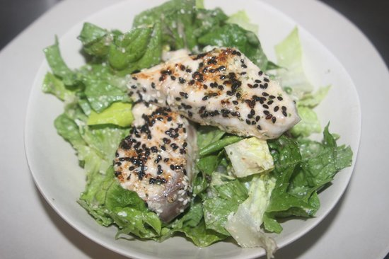 Elegance Cafe: Ceaser's Salad with sesame crusted fish