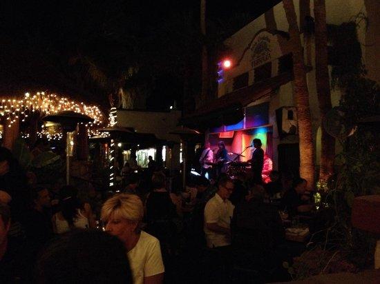 Las Casuelas Terraza : Musica dal vivo
