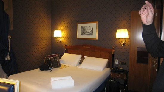 Hotel Manfredi Suite in Rome: Double Bed