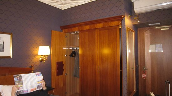 Hotel Manfredi Suite in Rome: Closet and bar fridge were in the wall unit