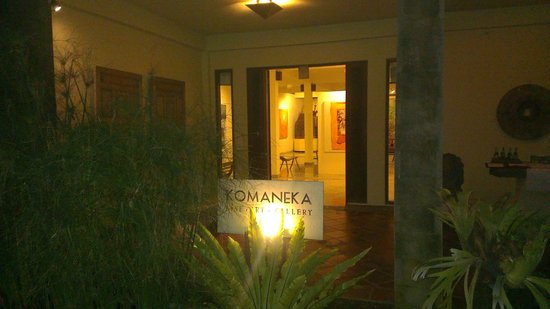 Komaneka at Monkey Forest : Entrance to the Spa and Art Gallery