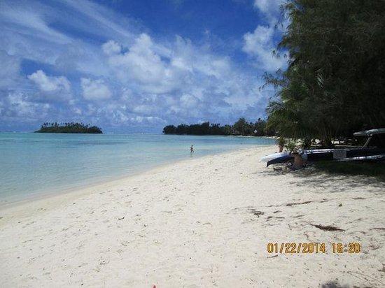 Muri Beach Club Hotel : Beach