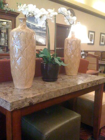Homewood Suites by Hilton Melville - NY Hotel: Dinning room decor