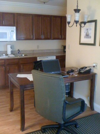 Homewood Suites Long Island - Melville : Kitchen area in suite.