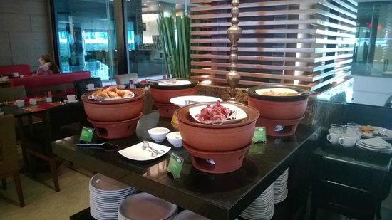 Novotel Bangkok on Siam Square : Nice food serving