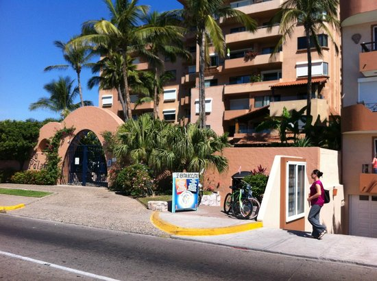 Sea Breeze Bike Rentals: Sea Breeze is next to the La Paloma Condiminiums