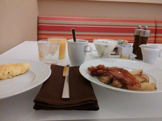 Hyatt Regency Indianapolis: Breakfast