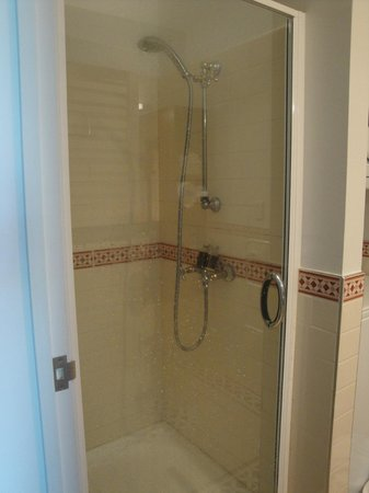 Auckland Waterfront Serviced Apartments: Bathroom