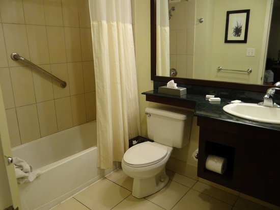 Doubletree Resort by Hilton, Central Pacific - Costa Rica: Baño junior suite