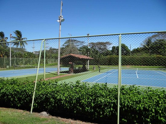 Doubletree Resort by Hilton, Central Pacific - Costa Rica: Canchas de tenis