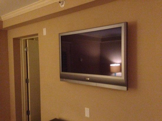 Crowne Plaza Orlando Downtown: Looks like a 32 inch