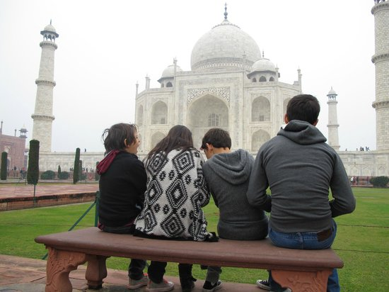 The Oberoi Amarvilas : The kids by the Taj Mahal
