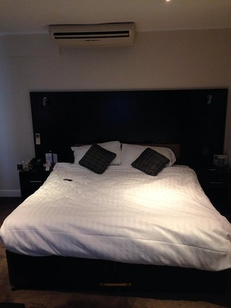 Studley Hotel and Orchid Restaurant : Bedroom