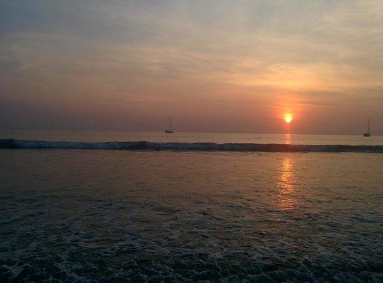 Phayam Lodge: Beach at Ao Yai