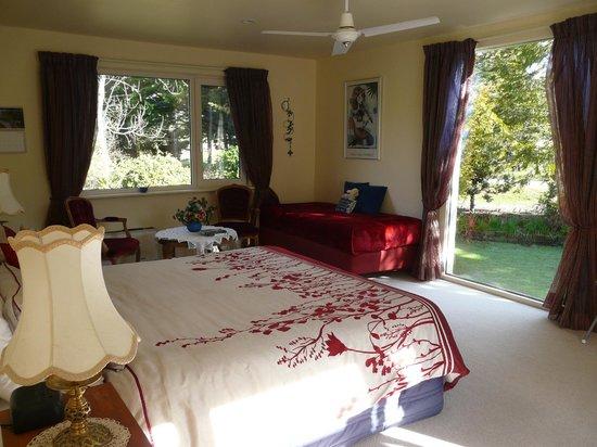 Mira Monte Bed and Breakfast: Garden room