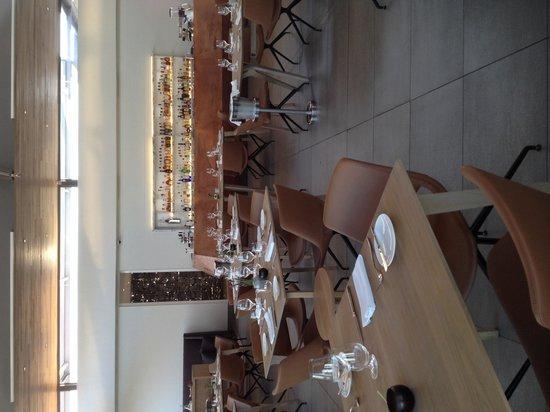 Equus Restaurant at Cavalli Stud and Wine Farm : Bar area