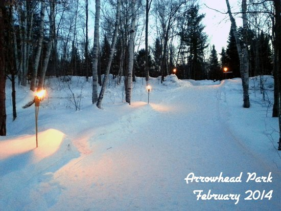 Arrowhead Provincial Park : Arrowhead Park, walking trail from parking lot to skating trail lit by tiki torches