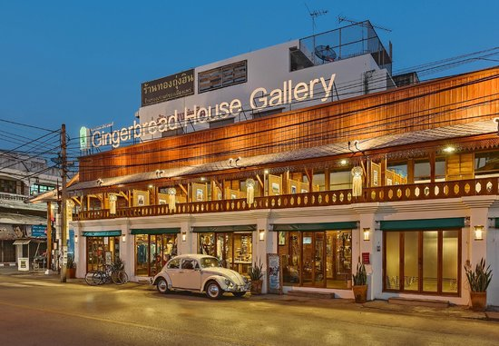 Phrae, Tayland: Exterior Gingerbread House Gallery
